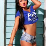 Bursa escort girl Mila is in T-shirt and very short jeans shirts that underline her flat belly and excellent roundness of her buttocks