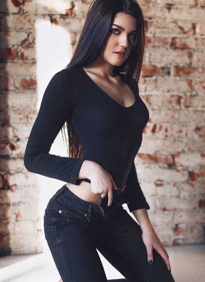 Bursa escort outcall girl impresses with the blackness of her image